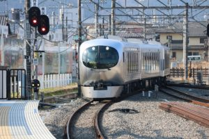 西武鉄道新型特急「Laview」運転開始